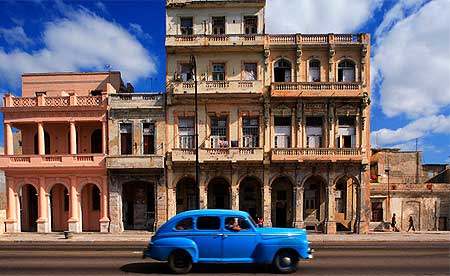havana-cuba-with-russian-car